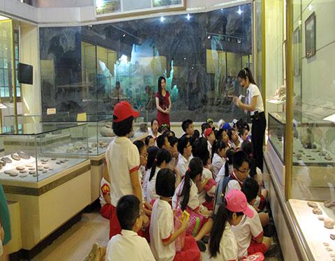 Công tác giáo dục của bảo tàng