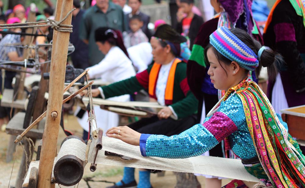 Nghề dệt vải lanh ở một số dân tộc thiểu số