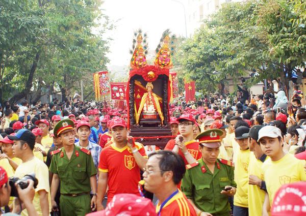 Lễ hội chùa Bà Thiên Hậu - Nét đẹp mùa lễ hội tại Sài Gòn