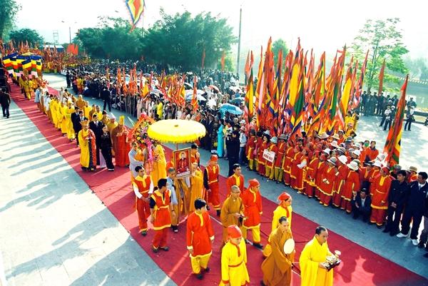 Lễ hội truyền thống mùa xuân Côn Sơn