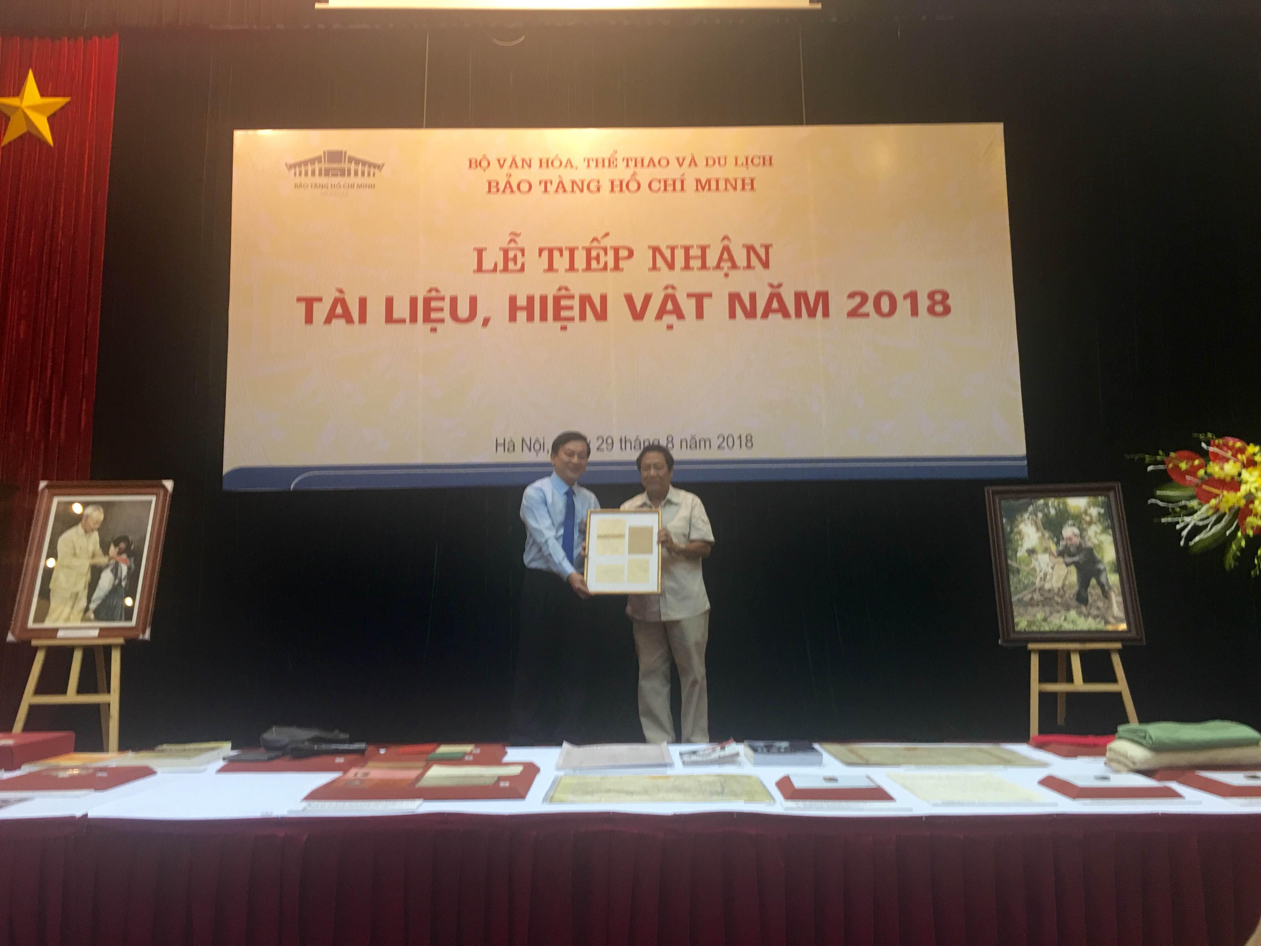 Bảo tàng Hồ Chí Minh tiếp nhận hơn 80 tài liệu, hiện vật về Bác