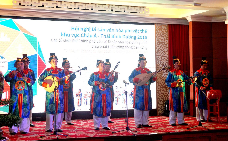 Trao quyền bảo vệ di sản văn hóa phi vật thể cho cộng đồng và các NGOs