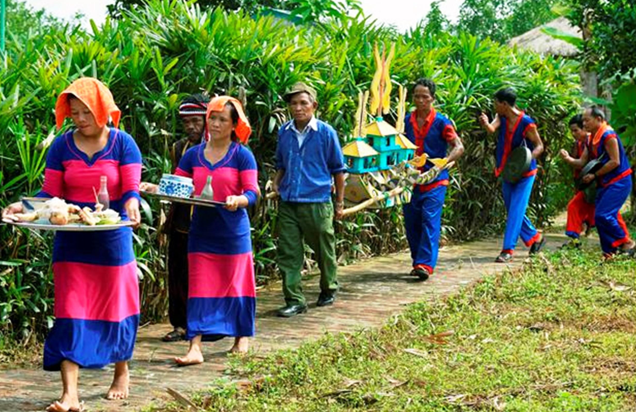 Lễ bỏ mả của tộc người Raglai: Nghi lễ vòng đời