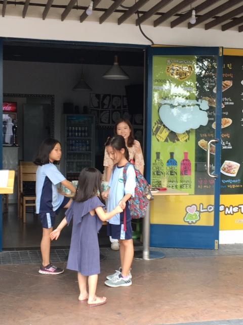 TP. Hồ Chí Minh: Nét văn hóa riêng của người nước ngoài giữa Sài Gòn
