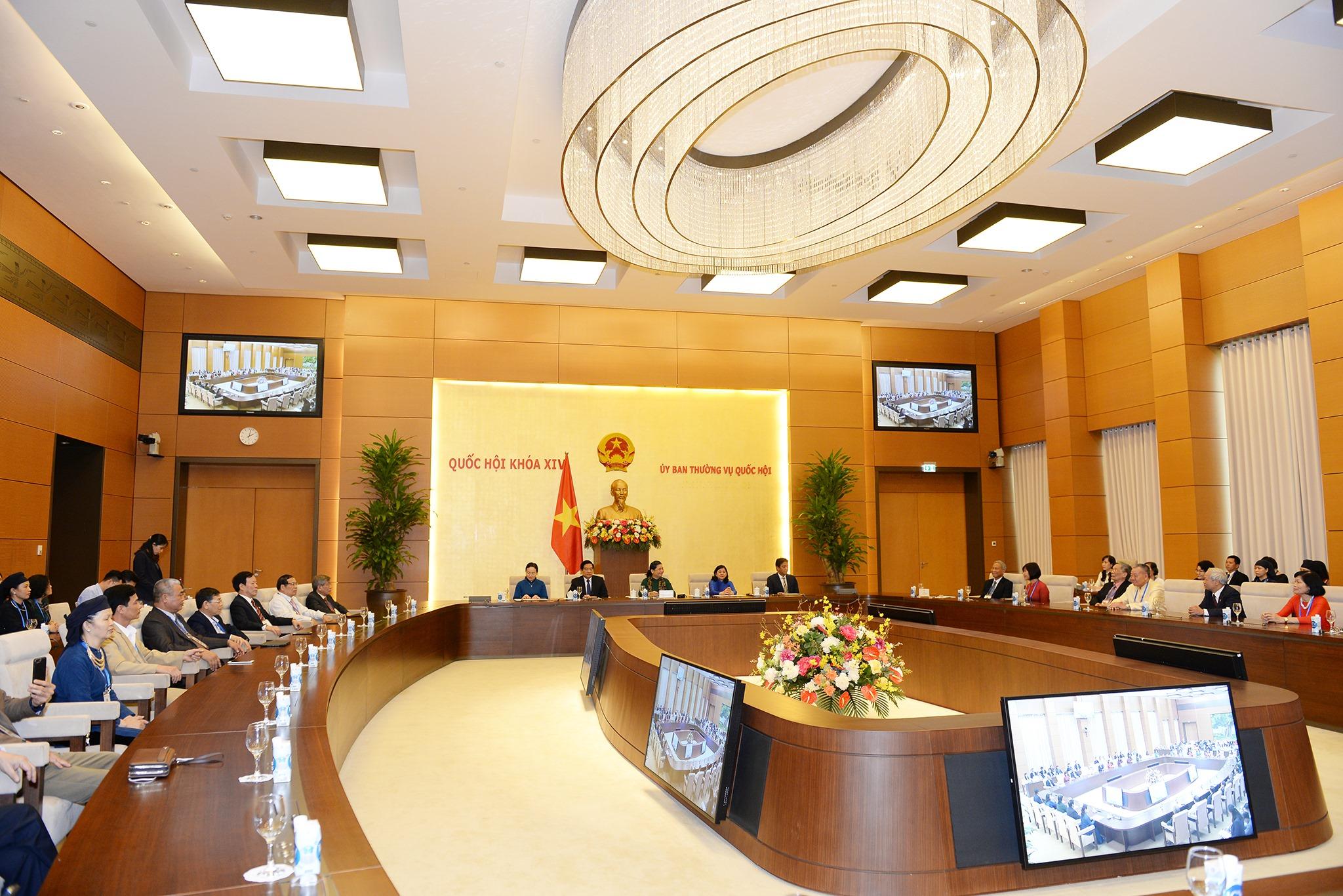 Phó Chủ tịch Thường trực Quốc hội Tòng Thị Phóng gặp mặt Đoàn đại biểu Hội Di sản Văn hóa Việt Nam