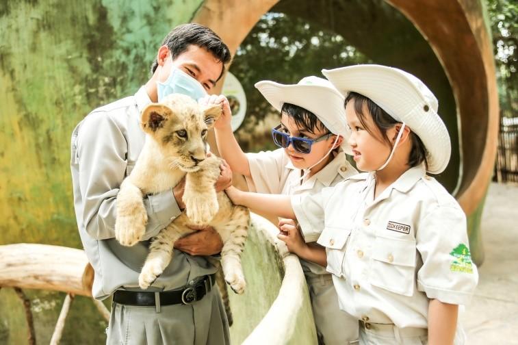 """Một ngày vào vai """"nhà động vật học"""" giữa """"thiên đường hoang dã"""" Vinpearl Safari"""