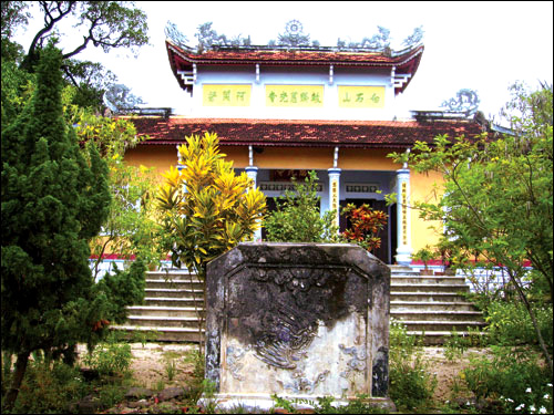 Chùa Đá trắng - Phú Yên