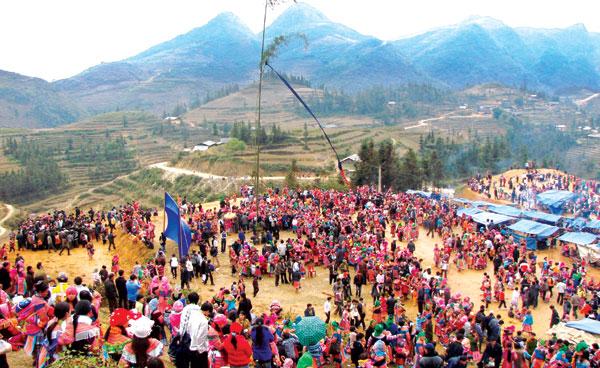 Gầu tào – Lễ hội văn hóa dân gian độc đáo của người Mông ở Lào Cai