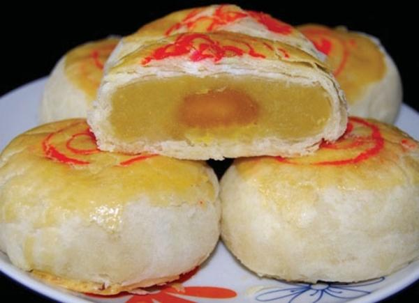 Về Sóc Trăng ăn bánh pía sầu riêng